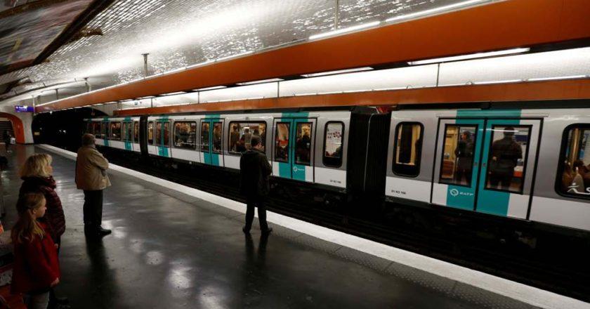 Παρίσι  Πιάστηκε το παλτό του στην πόρτα του μετρό και πέθανε fd853f26394