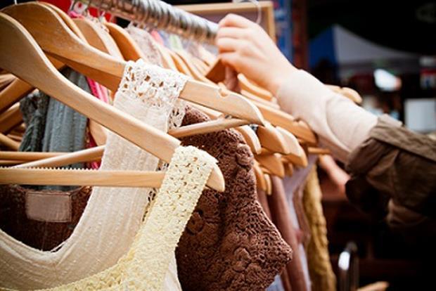 Για κλοπή ρούχων από κατάστημα του Βόλου συνελήφθησαν δύο ανήλικες  αλλοδαπές από άνδρες της Ασφάλειας. Ειδικότερα οι δύο ανήλικες d0a5b5bd711