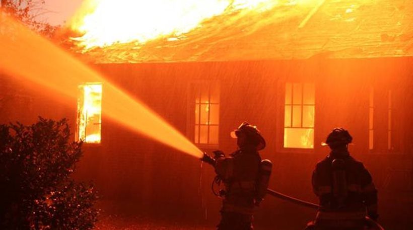 Αποτέλεσμα εικόνας για σπίτι φωτια